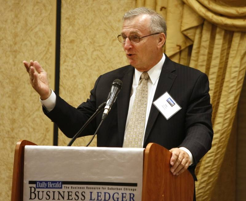 "Paul Janik, president of MidCo Inc., Thursday addressed the Newsmakers' Forum, ""Managing A Family Business"" at the Hilton Hotel in Lisle."