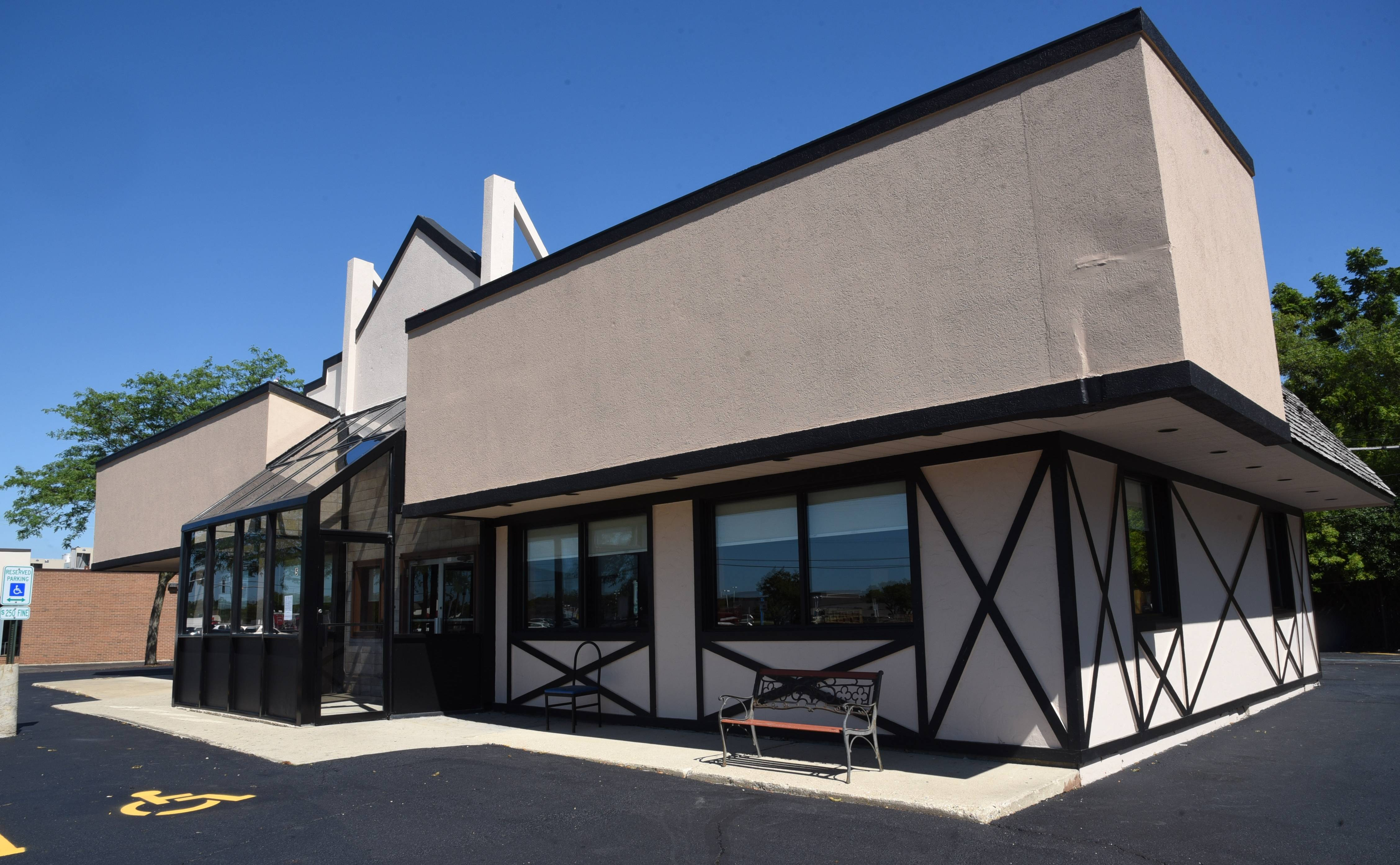 Molly's Pancake House will soon replace the former White Alps restaurant on Route 22 in Lake Zurich.