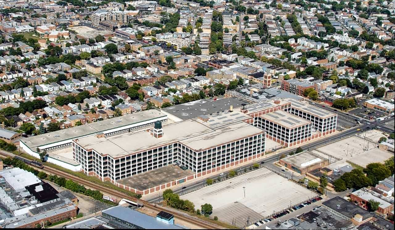 Northbrook-based Crate & Barrel has leased 117,000 square feet of office space at The Fields redevelopment in Chicago.