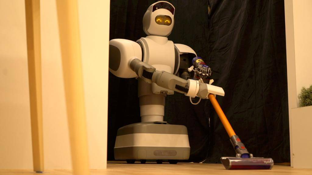 The Aeolus Robot performs domestic duties such as mopping, picking up stuffed animals off the floor, moving furniture and, perhaps most impressively, retrieving drinks from the fridge using an intricate-looking grabbing arm -- all without human assistance.