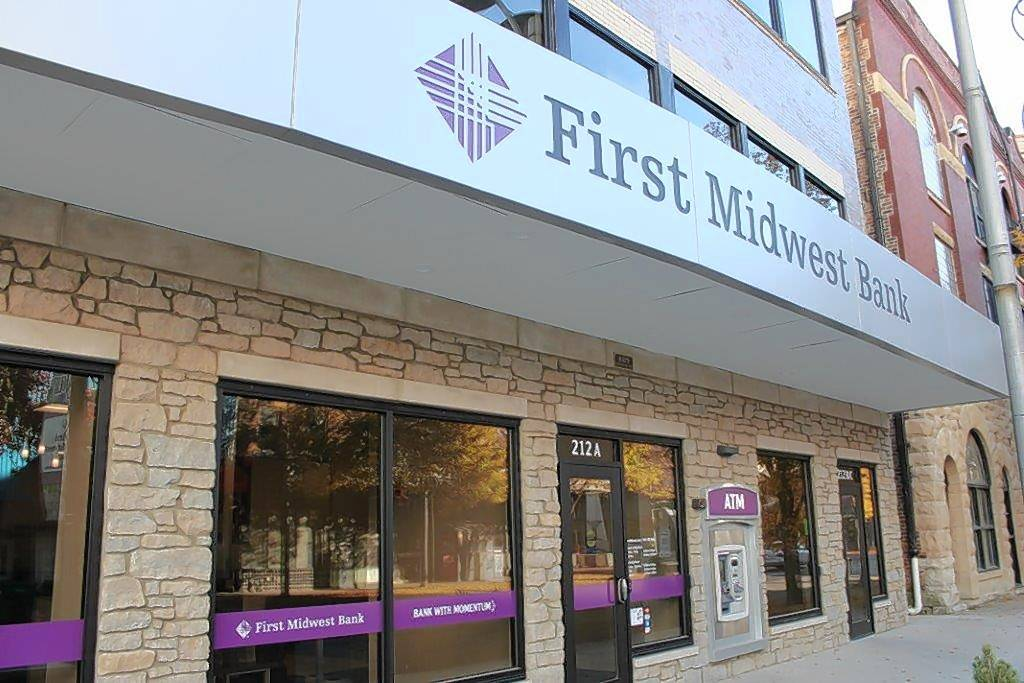 First Midwest Bank announces which suburban branches will close